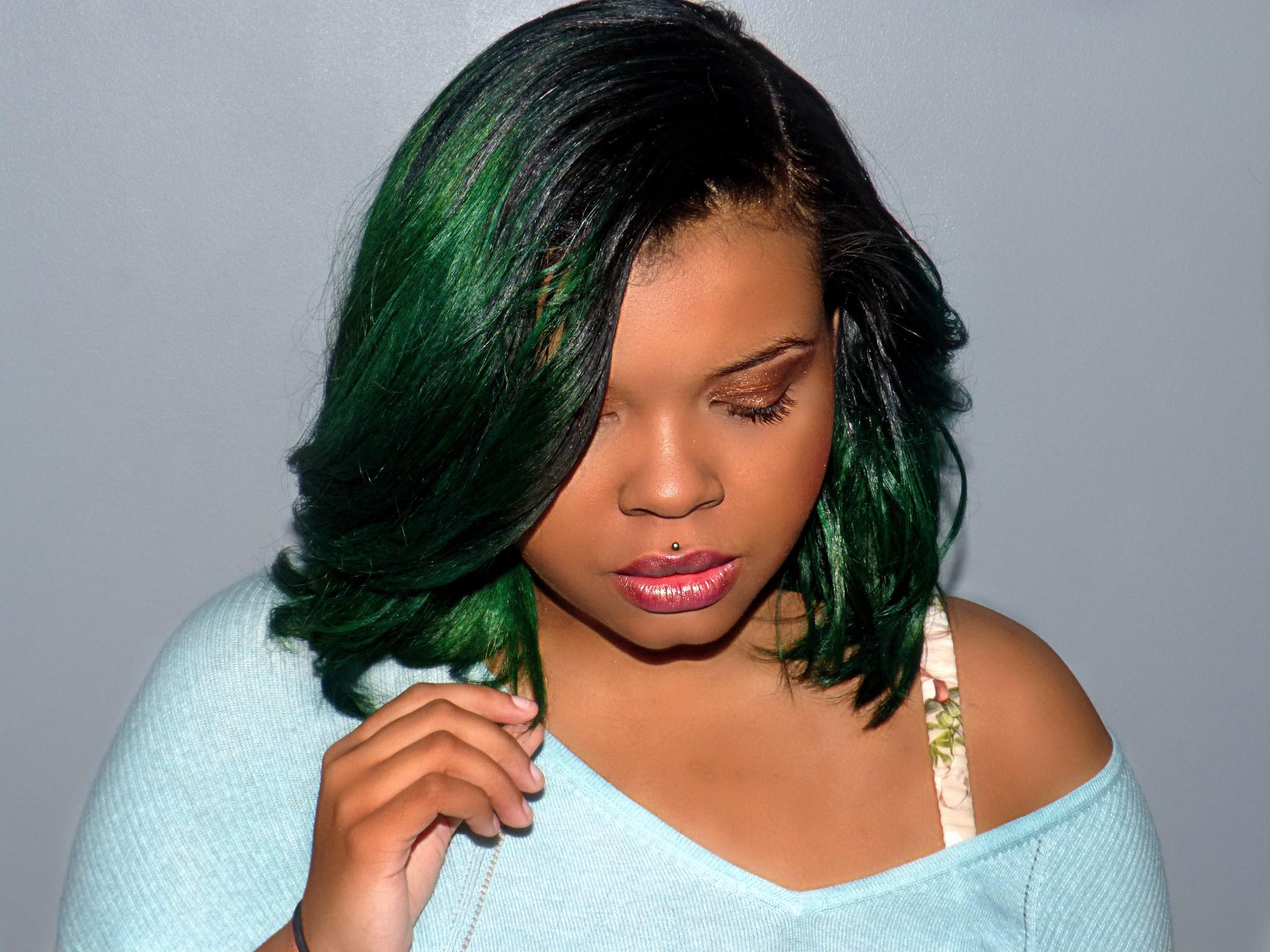 Coloration verte et lissage latelierbycolette